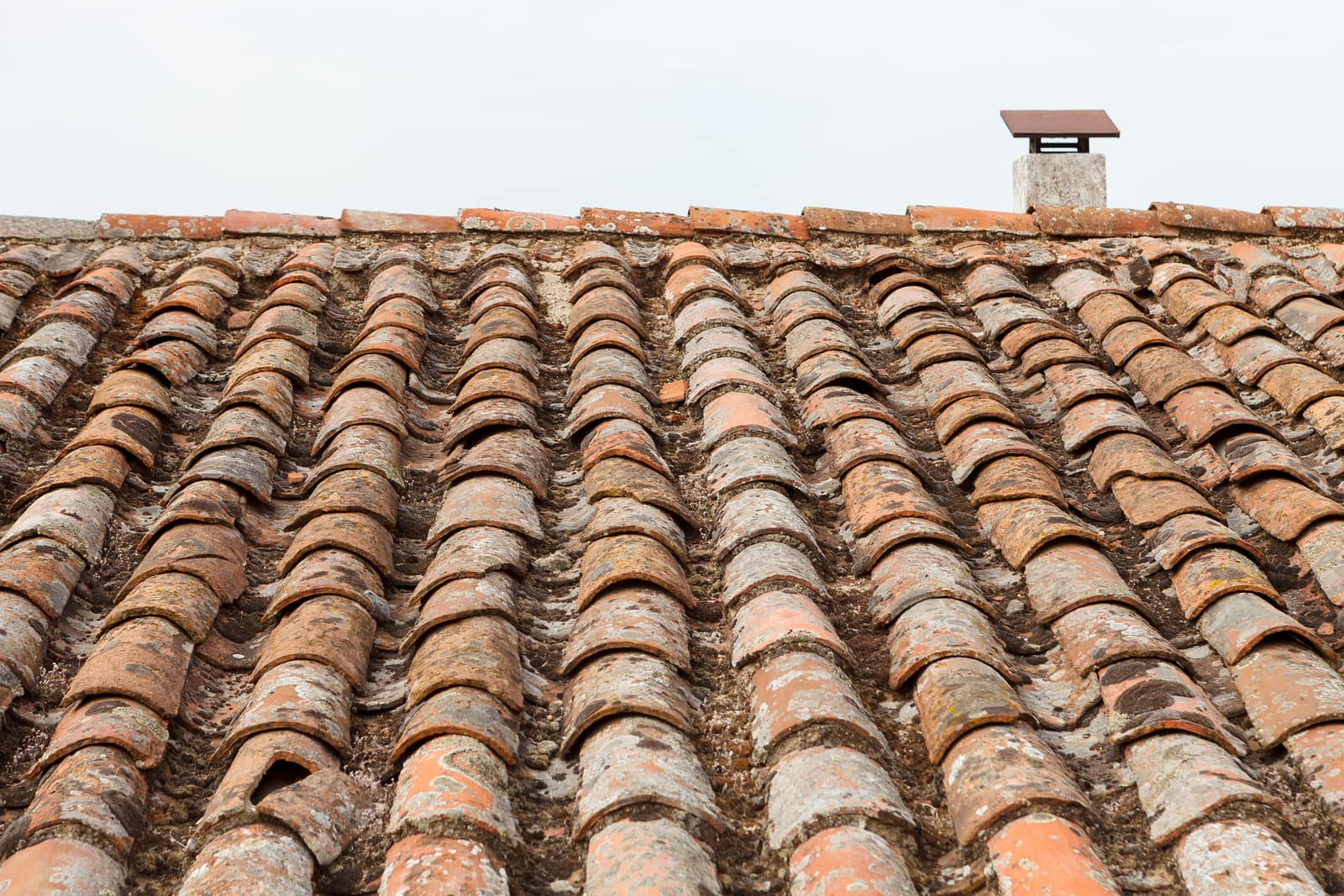 cracked roof tile repair